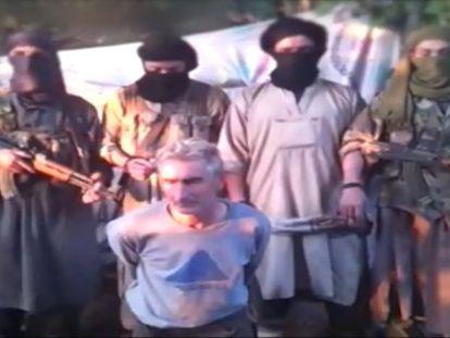 Imagem do vídeo da decapitação do refém francês.