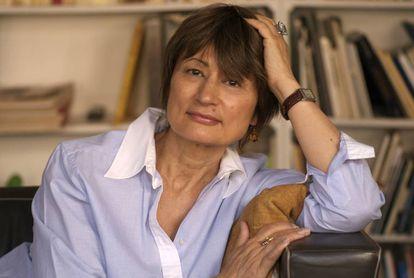 A escritora francesa Catherine Millet, em sua casa, em abril de 2016.