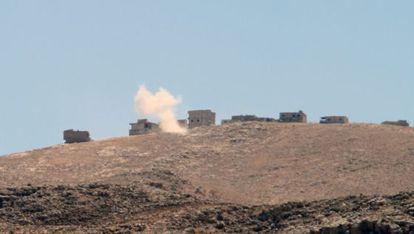 O Exército libanês bombardeia a periferia de Ersal.