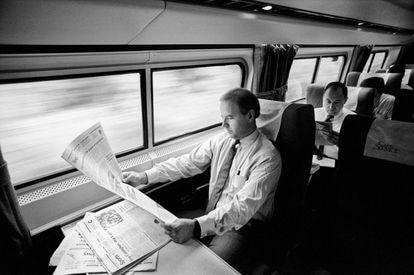 Durante anos, Biden viajou de trem de sua casa em Wilmington a Washington, a uma hora e meia de distância. O então senador em uma imagem de setembro de 1988.
