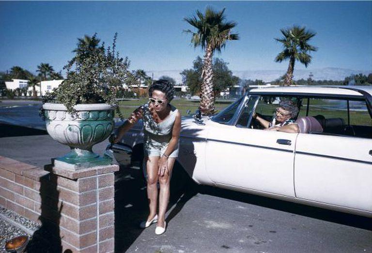 Imagem da série 'Palm Springs'.