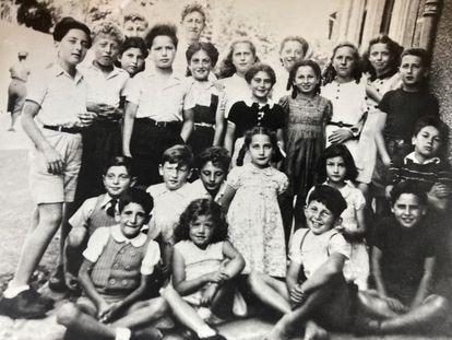 Crianças em Chambon-sur-Lignon por volta de 1943. Coleção privada.