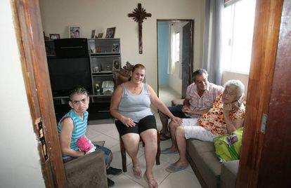 José Carlos mantém a família com uma empresa de entregas