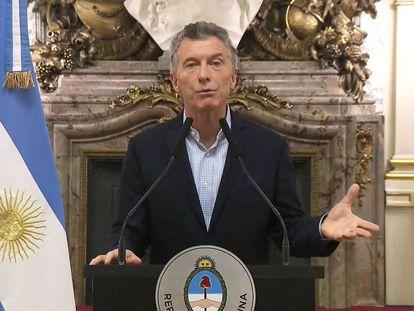 Mauricio Macri anuncia o início das negociações com o FMI.