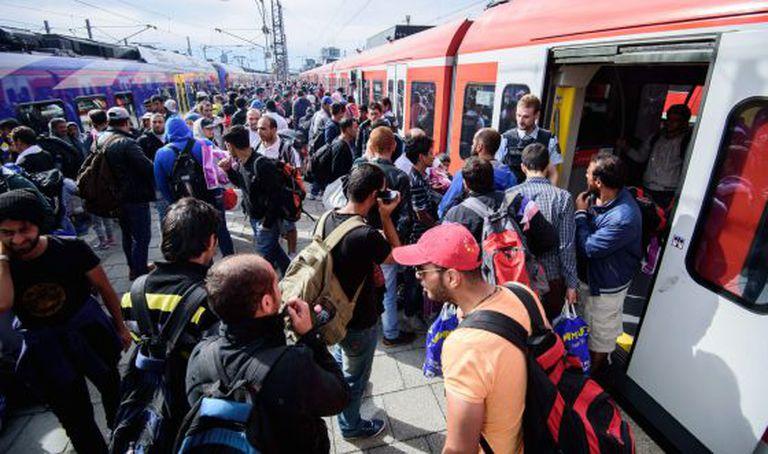 Refugiados chegam à estação ferroviária de Munique, na Alemanha, em 13 de setembro de 2015.