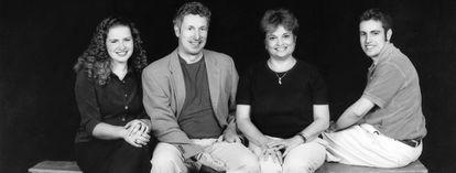Retrato de família com Beck Weathers, a mulher Peach e os filhos do casal, Beck II e Meg.