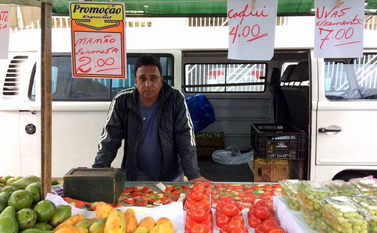 Airton Pereira, 60, feirante