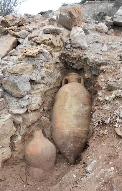 Ânforas romanas encontradas na ilha do Frade.