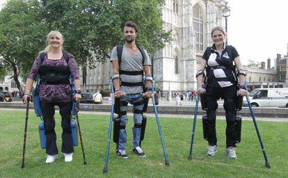 Três pacientes usam 'Rewalk' em Londres.