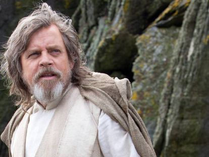 Mark Hamill, como Luke Skywalker em 'O despertar da força'.