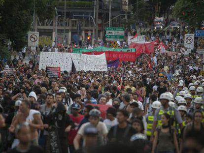 Protesto em São Paulo, no dia do seu aniversário.