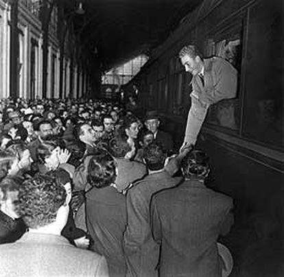 Juan Carlos, ao chegar à estação Mediodía-Delicias de Madrid, em 1955.