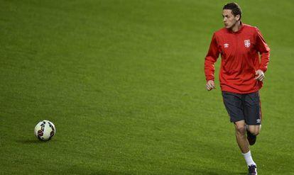 Matic, do Manchester United, é o destaque da Sérvia.