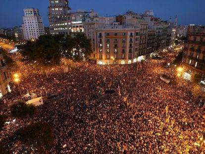Protesto no centro de Barcelona contra o Governo espanhol