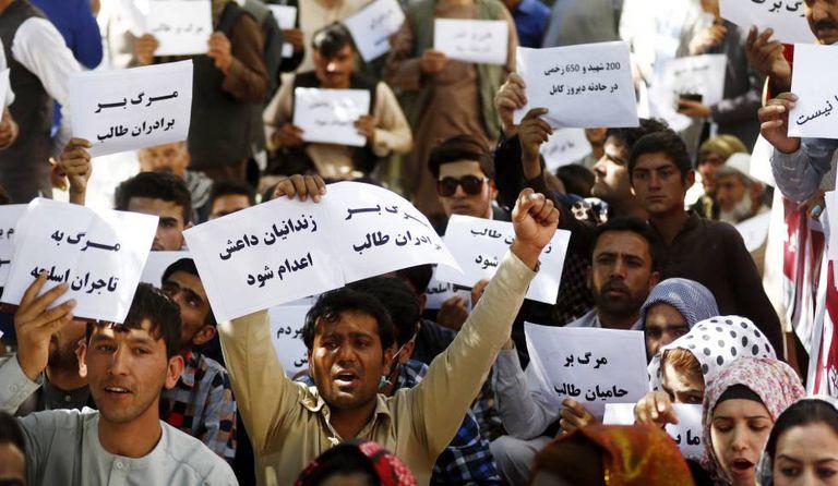 Manifestação contra o EI em Herat