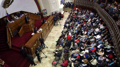 Sessão da Assembleia Nacional Constituinte em Caracas (Venezuela).