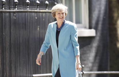 Theresa May chega ao 10 de Dowing Street.