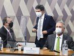 Os senadores Omar Aziz, Randolfe Rodrigues e Renan Calheiros na sessão do dia 11de maio de 2021, durante oitiva do presidente da Anvisa, Antonio Barra Torres.