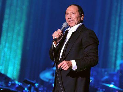 Paul Anka, durante apresentação no Cassino de Paris, em 2011.