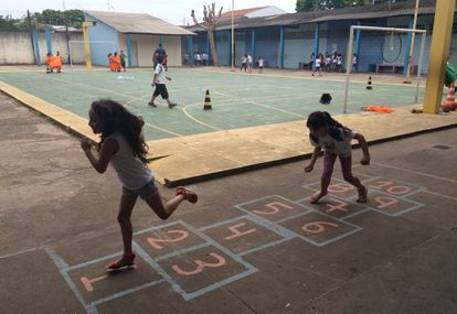 Escola estadual em Santa Gertrudes.