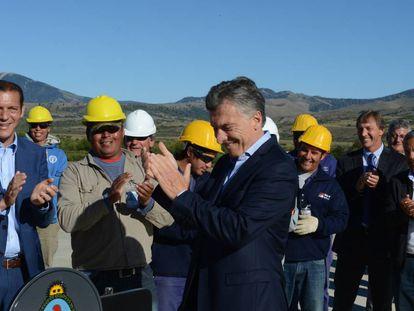 O presidente Mauricio Macri em visita a obra de reforma do aeroporto de San Martín de los Andes, no último dia 10 de fevereiro.