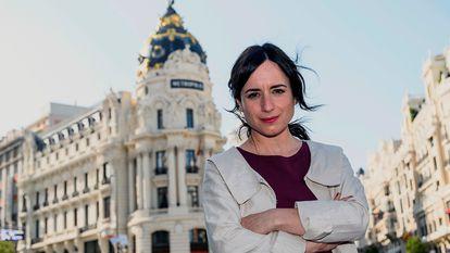 """GRAF7948. MADRID, 04/03/2021.- La cineasta chilena Maite Alberdi puede hacer historia el próximo sábado si su película """"El agente topo"""" gana el Goya a la mejor cinta iberoamericana del año, ya que sería la primera vez que un documental alcance este galardón, el mejor modo, dice la directora en una entrevista con Efe, de """"normalizar"""" los documentales. EFE/ Juan Naharro G./El Agente Topo / SOLO USO EDITORIAL/SOLO DISPONIBLE PARA ILUSTRAR LA NOTICIA QUE ACOMPAÑA / CRÉDITO OBLIGATORIO"""