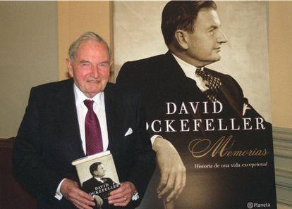 O banqueiro norte-americano David Rockefeller, quando apresentou suas memórias na Espanha em 2004.