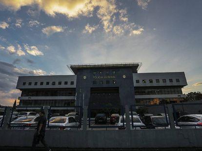 Sede da superintendência da PF em Curitiba, onde Lula está preso.