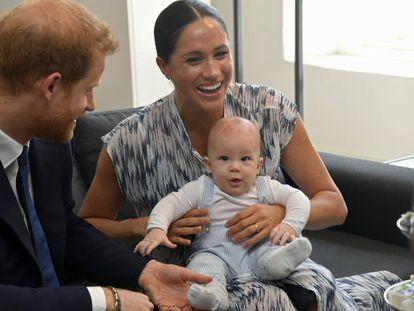 Harry, Meghan Markle e seu filho Archie durante visita à África do Sul, em setembro de 2019.