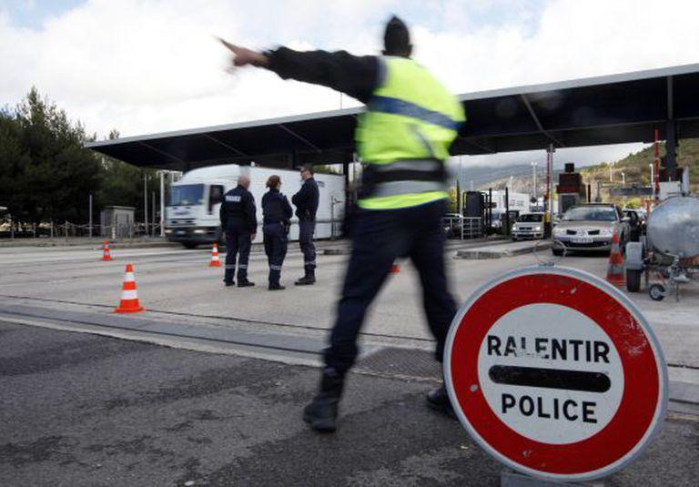 Controle fronteiriço entre a França e a Itália em 2011.