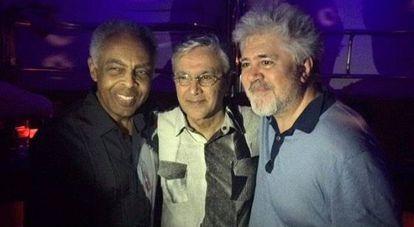 Gil, Caetano e Almodovar, em Madri.