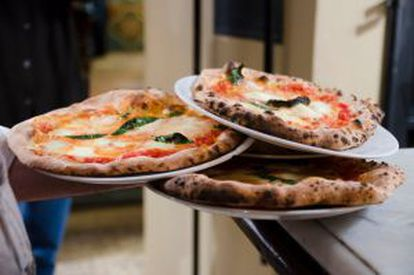 Na pequena pizzaria da Osteria del Caffè Italiano, em Florença, só fazem três sabores: margherita, napolitana e marinara.