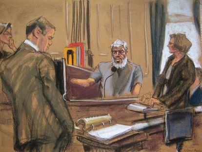 Abu Hamza Al Masri, responde a perguntas de seu advogado no julgamento em Nova York.