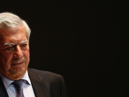Vargas Llosa, no fórum da oposição venezuelana.