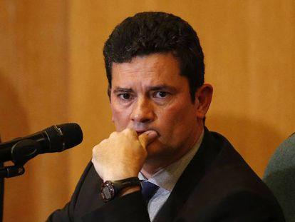 "O juiz Sergio Moro durante entrevista coletiva. Video, Sérgio Moro vê Bolsonaro ""moderado"" e diverge sobre MST e armas"