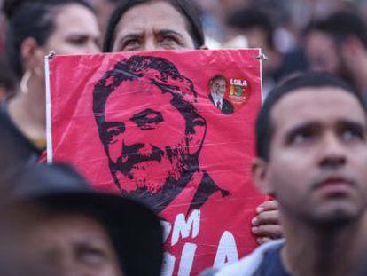 Maioria do STF decide negar  habeas corpus  que evitaria prisão do ex-presidente, que lidera pesquisas de opinião