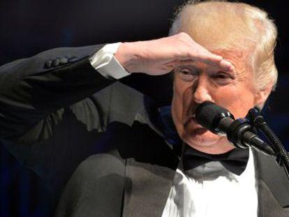 """Presidente repreende seu próprio Governo e exige """"uma versão muito mais dura"""" do veto migratório"""