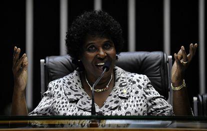 Deputada Benedita da Silva foi autora de consulta ao TSE.