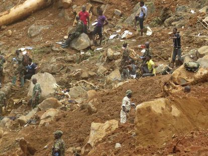 Equipes de resgate de Serra Leoa