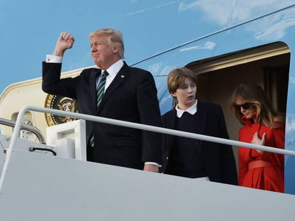 Trump, seu filho Barron e sua esposa, Melania.