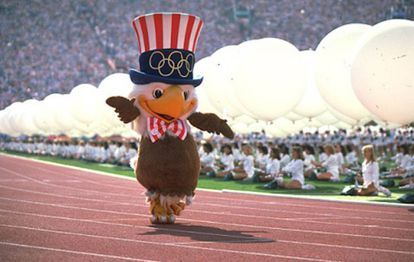 Sam, Izzy, Hodori e Cobi (mascotes dos Jogos Olímpicos de Los Angeles, Atlanta, Seul e Barcelona).