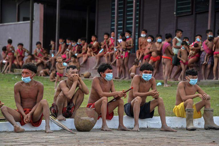 Jovens Yanomami.