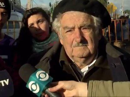 "Pepe Mujica chama Nicolás Maduro de ""louco"""