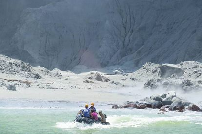 Resgate dos turistas da White Island.