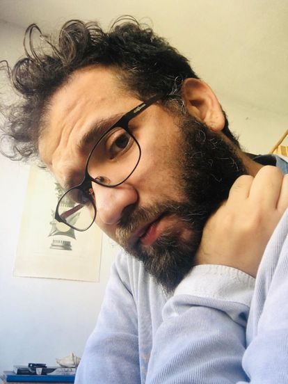 O designer Paulo Sampaio, durante o confinamento.