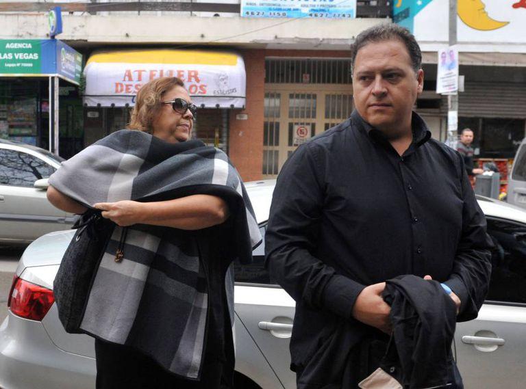 María Victoria Henao e Juan Pablo Escobar, viúva e filho do traficante Pablo Escobar Gaviria, depõem em maio no tribunal de Buenos Aires.
