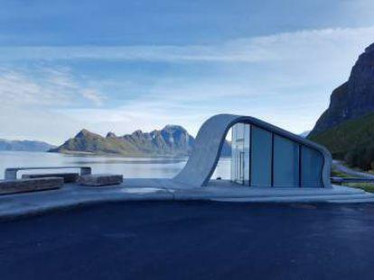 A área de descanso de Ureddplassen, em Nordland (Noruega).