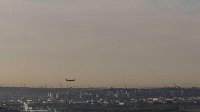 Céu poluído na região de Madri, visto a partir da localidade de Paracuellos de Jarama