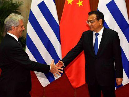 Tabaré Vázquez, e o primeiro-ministro chinês, Li Keqiang, em outubro.