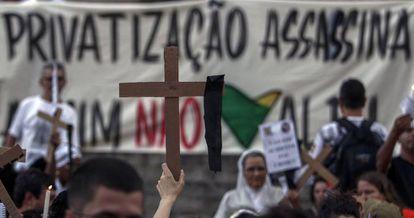 Manifestação na catedral da Sé, em São Paulo no dia 1º de fevereiro